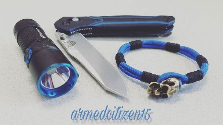 Benchmade - Monday Blues! 🗡🔦🗡🔦🗡🔦🗡🔦🗡🔦 #everydaycarry #edc #edcporn #knifeporn #knivesdaily #olight #s10r #knifegeek #knives #benchmade #benchmade940 #edclight #flashlight...