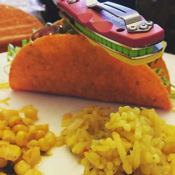 Benchmade - Happy Taco Tuesday. Thanks wifey 👊 #tacos #tacotuesday #foodporn #food #knife #knives #knivesofig #mybenchmade #eat #edc #edccommunity #edcgear #corn #rice