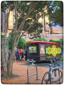 COFFEEUFEEL - The sun is trying to break thru the morning clouds - Lambton Square coffee cart going off! 🌴☕️🌺 #HavanaCoffee #wellington pic.twitter.com/BQ3NTECqUx